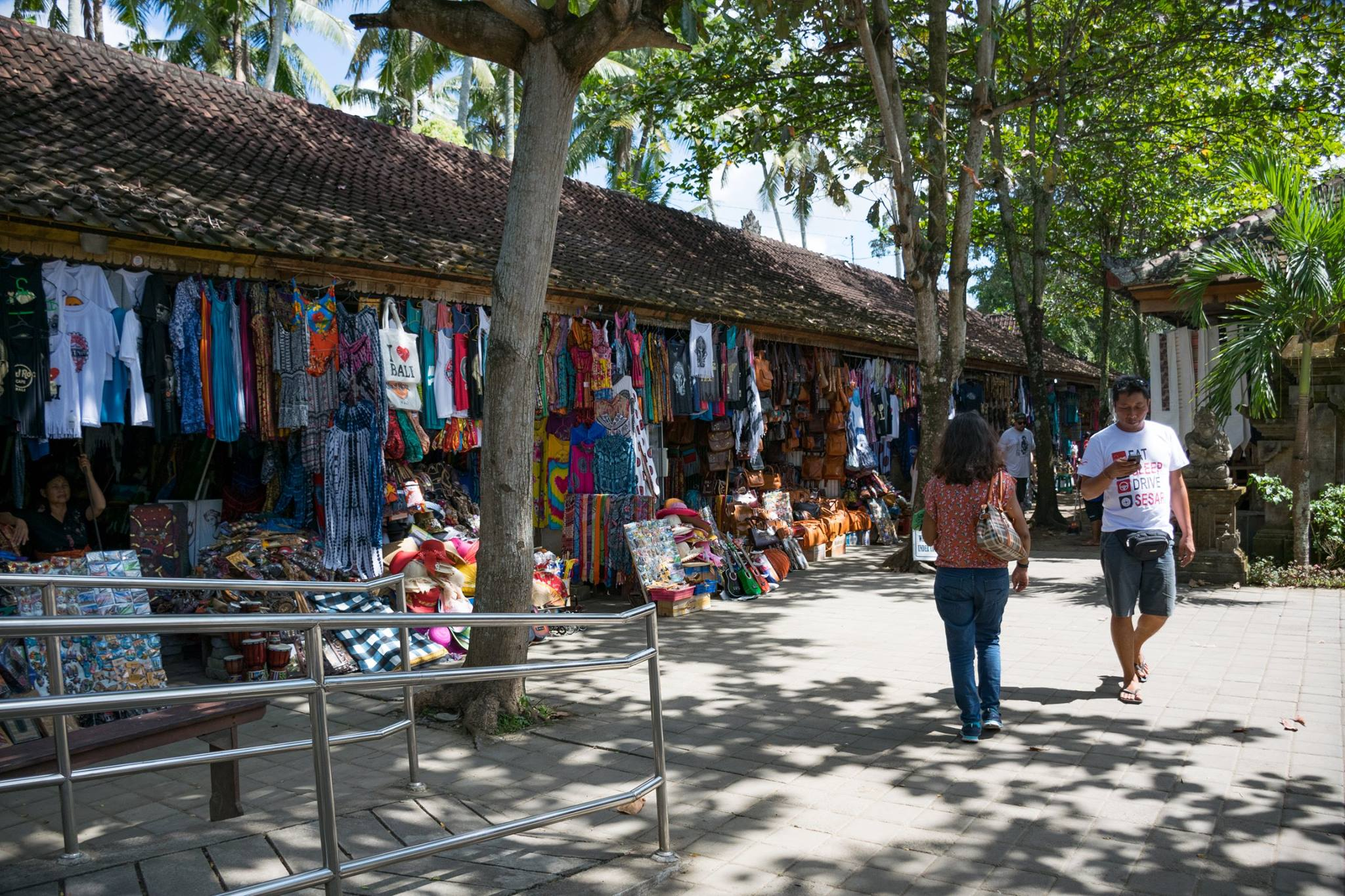 handicraft and souvenir market