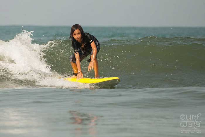 Surfing-in-goa